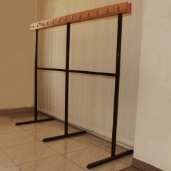 Free-standing clothes rack, two-sided