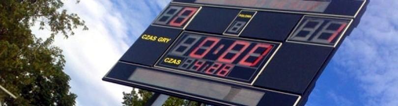 Scoreboards for outdoor sports fields