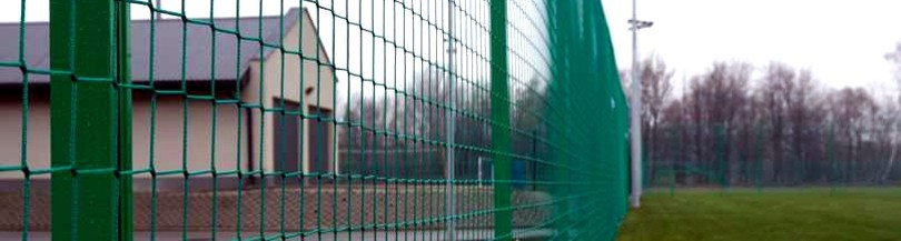 Protective nets for outdoor use